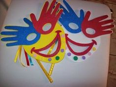 30 Favores de Carnaval para o Ensino Fundamental e Fundamental - Aluno On - ideas sencillas 2019 - The Effective Pictures We Offer You About diy carnival costum Kids Crafts, Clown Crafts, Circus Crafts, Carnival Crafts, Carnival Masks, Preschool Crafts, Arts And Crafts, Paper Crafts, Theme Carnaval