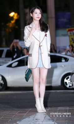 Image may contain: one or more people, people standing and shoes Iu Fashion, Kpop Fashion Outfits, Korea Fashion, Girl Photo Poses, Girl Photos, Gigi Hadid Outfits, Classy Outfits, Latest Fashion Trends, Kpop Girls