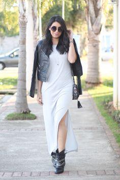look maxi dress jaqueta de couro bota cano curto borboletas na carteira