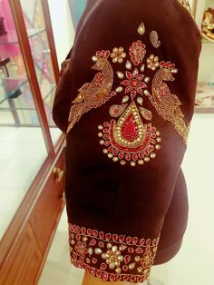 Simple Blouse Designs, Saree Blouse Neck Designs, Bridal Blouse Designs, Maggam Work Designs, Ethno Style, Back Neck Designs, Designer Blouse Patterns, Sleeve Designs, Ideias Fashion