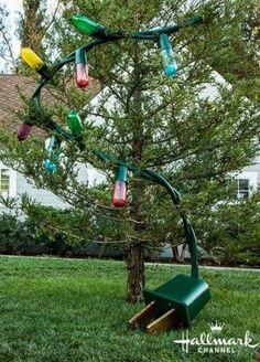 Amazing Outdoor Christmas Decorations - How to make HUGE outdoor Christmas lights with soda bottles! I HAVE TO TRY THIS! Gingerbread Christmas Decor, Homemade Christmas Decorations, Xmas Decorations, Christmas Home, Christmas Holidays, Christmas Crafts, Christmas 2019, Christmas Design, Christmas Vacation