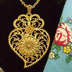 Portuguese Folk gold filigree Viana heart necklace