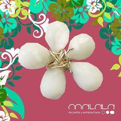 #broche de #onyx blanco  #brooch #accesories #diseñoExclusivo #elegancia #fashion #femenino #fino #gift #guapa #handmade #hautecouturejewelry #instafashion #jewel #joya #joyeria #joyeriadediseño #ladies #MadeinSpain #madrid #magia #MalalaDePerlas