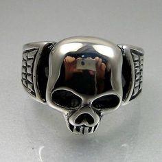 Heavy Duty Biker Mens Bold Black Silver Stainless Steel Skull Ring