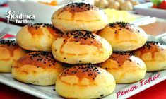 Gazozlu Puf Poğaça Tarifi Healthy Eating Tips, Healthy Nutrition, Hamburger Menu, Vegetable Drinks, Homemade Beauty Products, Fruits And Vegetables, Bagel, Doughnut, Bread