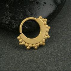 Μύτη με χάντρες διαφράγματος Ring Ring σώματος Κοσμήματα 925 στερεό Piercings, Black Rhodium, Ethnic Jewelry, Rose Gold Plates, Body Jewelry, Septum Ring, 18k Gold, Jewelery, Gemstone Rings