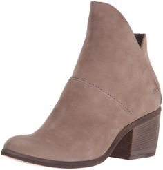 Dolce Vita Women's Salena Ankle Bootie, Grey, 8.5 UK/8.5 M US. An edgy take on the classic ankle bootie, on a proven construction that will work for all styles and ages.