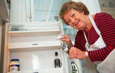 Eddikeblanding er et godt rengøringsmiddel til dit køleskib. Foto: Jesper Elgaard