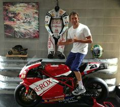 Troy Bayliss Ducati Desmo, Moto Ducati, Raiders, Super Bikes, Motorbikes, The Past, Racing, Cafe Racers, Troy