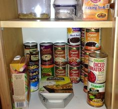 Clutter tip of the week: Organize storage by levels Kitchen Organization, Storage Organization, Organizing, Cupboard Drawers, Ocd, Getting Organized, Clutter, Ducks, Kitchen Ideas