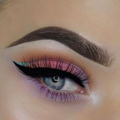 """4,920 Likes, 32 Comments - SigmaBeauty.com (@sigmabeauty) on Instagram: """"@MakeupEmalii shines in our Felicity, Open Sesame & Bedazzle Loose Shimmers. ✨ Slide for product…"""""""