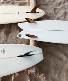 Carnet Sauvage - Neutral tones - inspiration - moodboard artistique NEUTRAL TO. - The Best Hiking fashion images, clothes,boats, hats Beach Aesthetic, Summer Aesthetic, Burton Snowboards, Photo Wall Collage, Picture Wall, Surf Table, Fashion Design Inspiration, Photowall Ideas, Surf House