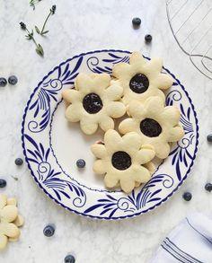 Biscuits et confiture myrtilles-lavande pour 4 personnes - Recettes Elle à Table