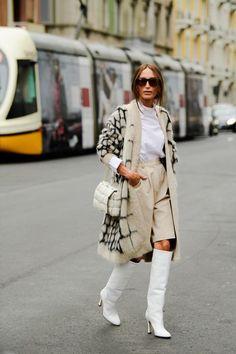 Street style london 82753711889718271 - Milan Spring 2020 Fashion Week's Best Street Style Source by hannahlin Grunge Look, Style Grunge, Soft Grunge, 90s Grunge, Best Street Style, Spring Street Style, Street Style Women, Modern Street Style, London Fashion Weeks