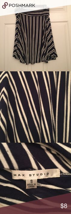 Great Sale‼️Navy Blue and white skirt No stains or tears... still has plenty of life to wear!!!😁👏👏 Max Studio Skirts