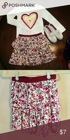 Crazy 8 Girls Floral Tiered Skirt Beautiful girls floral Tiered Skirt with elastic waistband. crazy 8 Bottoms Skirts