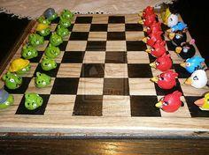 Unique Chess Pieces | ... Unique Chess Set >> http://www.designsoak.com/10-unusual-chess-sets