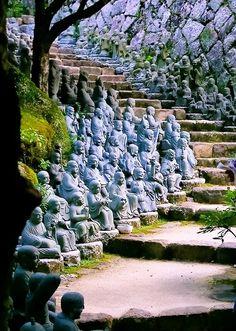 Danijela Živković - Google+ - Statue Stairs, Kyoto, Japan