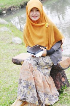 Karena Wanita Berjilbab Selalu Cantik [Indonesian Hijab Blogger]
