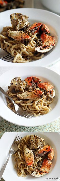 Garlic Noodles and Roasted Crab - the most amazing dinner ever with garlicky and buttery noodles and black pepper roasted crab | rasamalaysia.com