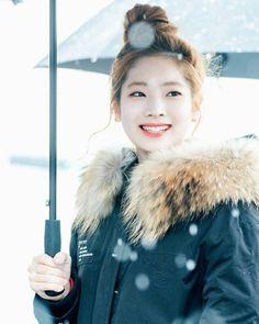 ;  161126     Dahyun @ Mini Fansign event      ; to owner   Such a beauty   #Twice #트와이스 #dahyun #다현 #kimdahyun #김다현 #dubu #chaeyoung #jeongyeon #mina #nayeon #jihyo #tzuyu #momo #sana #TT #jyp
