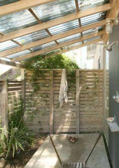 1 Best Inspiring Outdoor Bathroom Design Ideas 28 Outdoor Shower Ideas with Maximum Summer Vibes Outdoor Baths, Outdoor Bathrooms, Outdoor Rooms, Outdoor Living, Modern Bathrooms, Outdoor Kitchens, Small Bathrooms, Outside Showers, Outdoor Showers