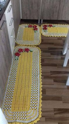 Crochet Table Mat, Crochet Tablecloth, Crochet Doilies, Crochet Decoration, Crochet Home Decor, Diy Crochet, Crochet Flower Patterns, Crochet Flowers, Home Living Room