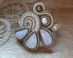 Soutache embroidered earrings and brooch Mon di AnnetaValious