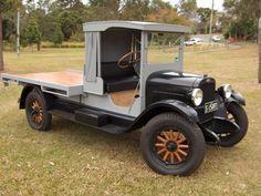 1927 1 TON CAPITOL TRUCK