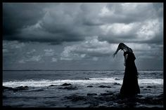 beautiful moon cloudy sky picture and wallpaper Smooth Jazz, Gothic Wallpaper, Ocean Girl, Dark Pictures, Beautiful Moon, Photography Gallery, Gothic Art, Gothic Beauty, Loneliness