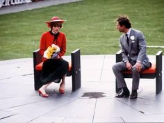 27 October HRH Prince Charles and his late wife, HRH Princess Diana sitting on twin thrones of Welsh slate designed by Lord Snowdon at Caernarvon Castle (scene of Prince Charles' investiture 12 years ago) during Diana's first visit to Wales, UK, in Charles And Diana, Prince Charles, Prince And Princess, Princess Of Wales, Real Princess, Summer Family Pictures, Princess Diana Pictures, Princes Diana, Family Picture Outfits