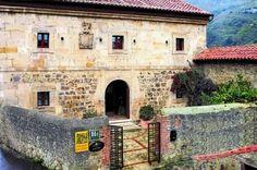 Hotel con encanto en venta. Antigua casa palacio. Abándames. Asturias.