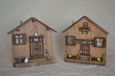 Wooden Door Knobs, Wooden Doors, Crafts To Sell, Easy Crafts, Photo Wall Clocks, Bird Houses Painted, Wall Key Holder, Clay Houses, Small Wood Projects