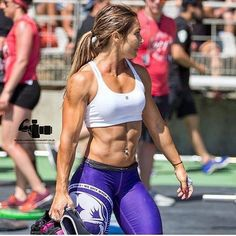 Best Bodybuilding Program: 4 Examples of First Day Workout Programs at the Gy. Crossfit Body, Crossfit Women, Crossfit Chicks, Crossfit Ab Workout, Cardio Gym, Female Crossfit Athletes, Female Athletes, Fitness Motivation, Fitness Goals