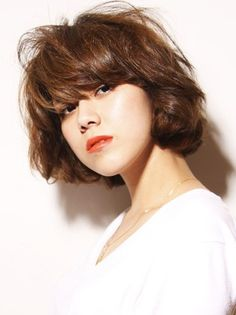 Stylish Japanese Hairstyle with curls