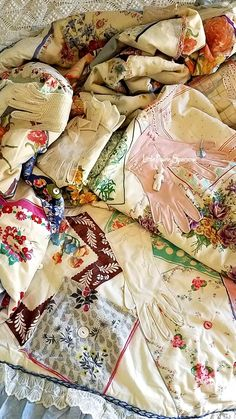 Use Vintage hankie, gloves, and button quilt, embroidery, and cutter patchwork quilts to make Christmas stockings Embroidery Transfers, Hand Embroidery Stitches, Vintage Embroidery, Embroidery Techniques, Embroidery Patterns, Quilt Patterns, Crewel Embroidery, Machine Embroidery, Old Quilts
