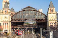 Estação da Luz, em São Paulo, Brasil. A estação ocupa uma área de 7.520 m², e é…