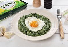 Creamy spinach with eggs (CC Eng Sub) Stevia, Egg Recipes, Cooking Recipes, Creamy Spinach, Vegetable Recipes, Risotto, Eggs, Vegetables, Ethnic Recipes