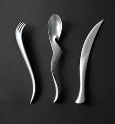 By Lawrence Guo. A cutlery set inspired by Chinese calligraphy.
