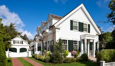 Browse the exterior and interior images of Greek Revival Village House, a Midshipman house located in historic Edgartown, Martha& Vineyard
