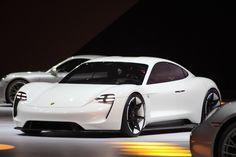【フランクフルトモーターショー2015】ポルシェ、初の電気自動車「ミッション E」を発表