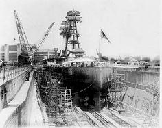 USS Arizona in Norfolk Navy Yard Dry Dock During Modernization Uss Oklahoma, Us Battleships, Hms Hood, Battle Ships, Uss Arizona, Big Guns, Norfolk, Great Places, Wwii