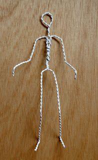 Bildergebnis für muñecos con alambre y papel Wire Crafts, Diy Home Crafts, Doll Crafts, Paper Clay, Paper Art, Yarn Dolls, Paper Mache Sculpture, Newspaper Crafts, Wire Art