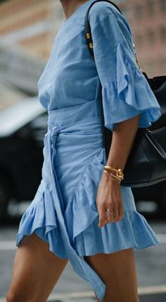 blue frill dress.