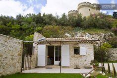 Maisonnettte in 16th century estate in Villeneuve-lès-Avignon