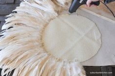 She's Crafty {Juju Hat Tuturial} - Suburban Bees - Juju hat tutorial ~ Suburban Bitches - Home Crafts, Diy Home Decor, Diy And Crafts, Feather Wall Art, Juju Hat, Hat Tutorial, Deco Boheme, Feather Crafts, Diy Chandelier