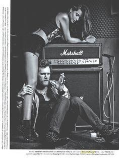 Na edição do mês de setembro da Revista Status a Matéria Rock na Veia traz o cantor OTTO usando camisa Etiqueta Negra.