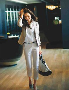 Office Fashion, Business Fashion, Work Fashion, Fashion 101, Fashion Outfits, Womens Fashion, Professional Attire, Vogue, Business Dresses