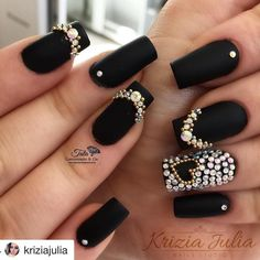 Gel manicure colors black nailart new Ideas Cute Acrylic Nails, Acrylic Nail Designs, Fun Nails, Bling Nails, Manicure Colors, Gel Manicure, Creative Nail Designs, Creative Nails, Crystal Nails