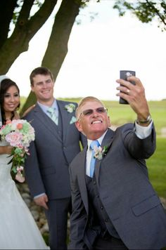 #weddingselfie #selfie #brideandgroom father of the bride